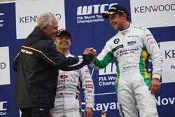 Podium: Andeas Bellu, BMW Team UK, BMW 320si and Augusto Farfus, BMW Team Germany, BMW 320si