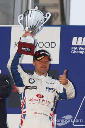 Podium: Andy Priaulx, BMW Team UK, BMW 320si