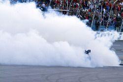 Race winner Jamie McMurray, Roush Fenway Racing Ford celebrates
