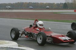 Dave Lowe dans une Lotus 69