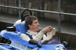 Graham Leslie pilote la Royale RP24 de son père