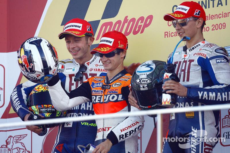 2009. Dani Pedrosa ganó la carrera por delante de las dos Yamaha oficiales de Valentino Rossi y Jorge Lorenzo.