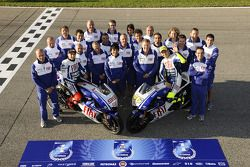 Valentino Rossi, Fiat Yamaha Team and Jorge Lorenzo, Fiat Yamaha Team pose with Fiat Yamaha Team tea