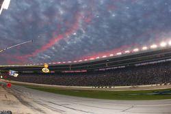 Magnifique coucher de soleil au Texas Motor Speedway