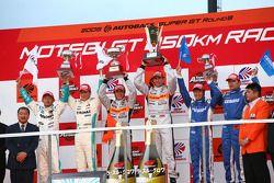 GT500 podium: winner #8 Arta NSX: Ralph Firman, Takuya Izawa: second place #36 Petronas Tom's SC430:
