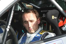 Robert Kubica tries his hand at rally driving on the Renault New Clio R3C Dp Autosport