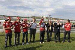Luca Badoer, Giancarlo Fisichella, Felipe Massa, Luca di Montezemolo, Fernando Alonso, Piero Ferrari