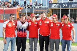 Marc Gene, Fernando Alonso, Giancarlo Fisichella, Stefano Domenicali, Luca Badoer et Felipe Massa
