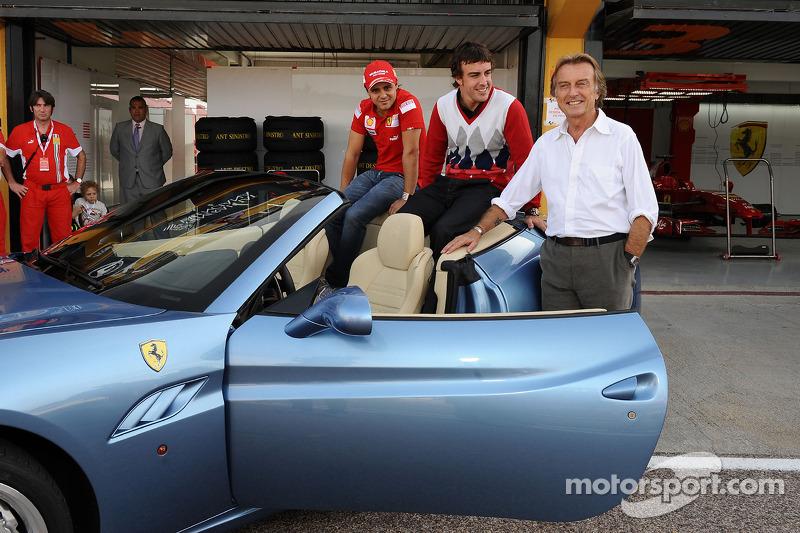 Luca di Montezemolo, Felipe Massa ve Fernando Alonso after drive around track a Ferrari California