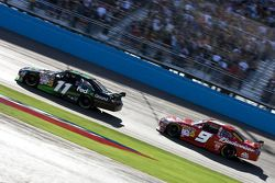 Denny Hamlin, Joe Gibbs Racing Toyota, Kasey Kahne, Richard Petty Motorsports Dodge