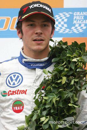 Podium: Le vainqueur, Jean-Karl Vernay, Signature