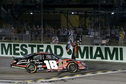 Kyle Busch celebrates win and 2009 Nationwide Series championship