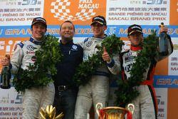 Podium: race winner Edoardo Mortara, Signature, with second place Jean-Karl Vernay, Signature, third