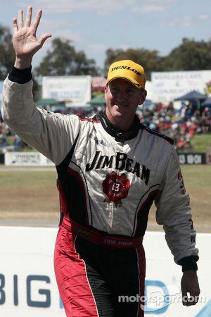 Steven Johnson prend la seconde place pour Jim Beam Racing
