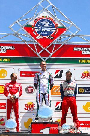 Victoire de Michael Schumacher, seconde place pour Felipe Massa, troisième place pour Vitor Meira