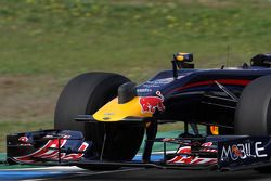 Daniel Ricciardo, Tests for Red Bull Racing with a horn on the front nose