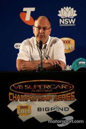 Conférence de presse: Tony Cochrane
