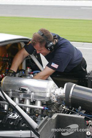 Les mécaniciens Action Express Racing au travail