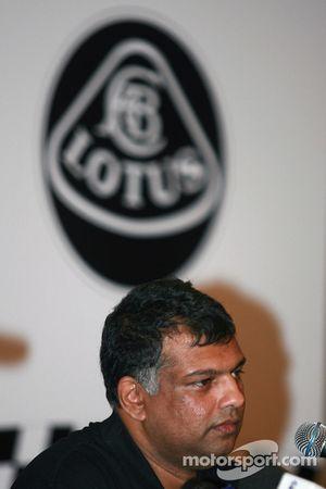 Lotus F1 Team , Tony Fernandez