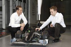 Michael Schumacher ve John Owen, Principal Aerodynamicist for Mercedes Grand Prix