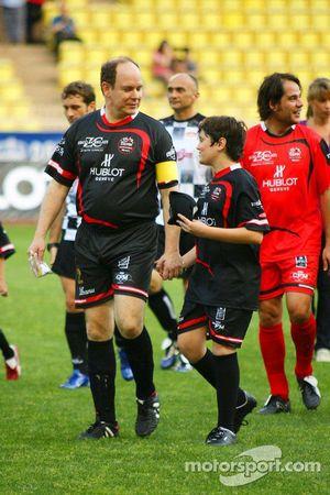 Star Team vs Nazionale Piloti, Charity Football Match, Monaco, Stade Louis II: Gerhard Berger