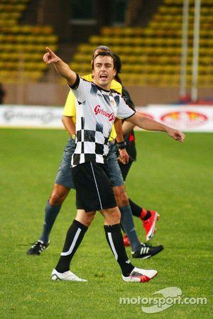 Star Team vs Nazionale Piloti, Charity Football Match, Monaco, Stade Louis II: Fernando Alonso, Renault F1 Team