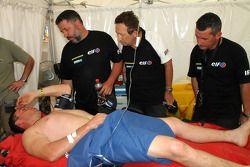 David Casteu uit de Dakar Rally met een bezeerde been