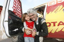 Jean-Pierre Strugo con su nieto Jordan