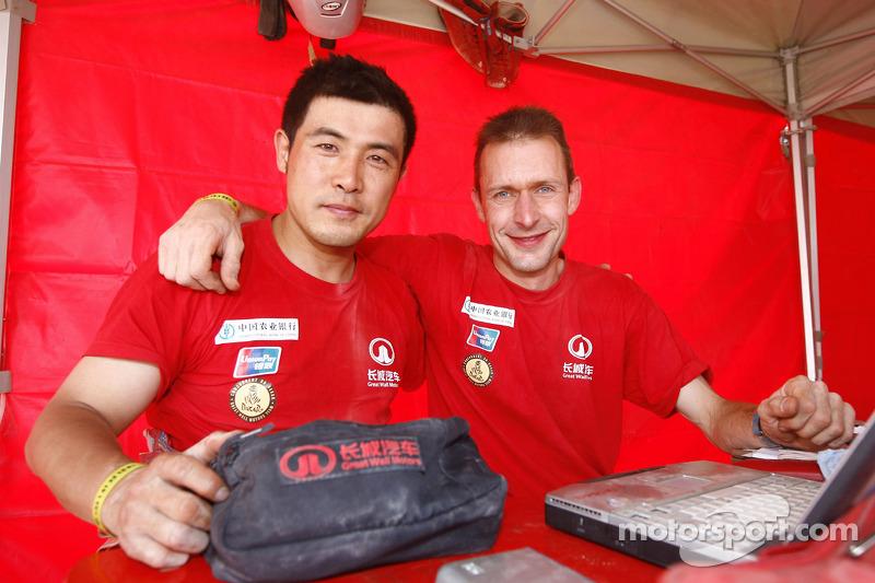 Yong Zhou et Sylvain Poncet