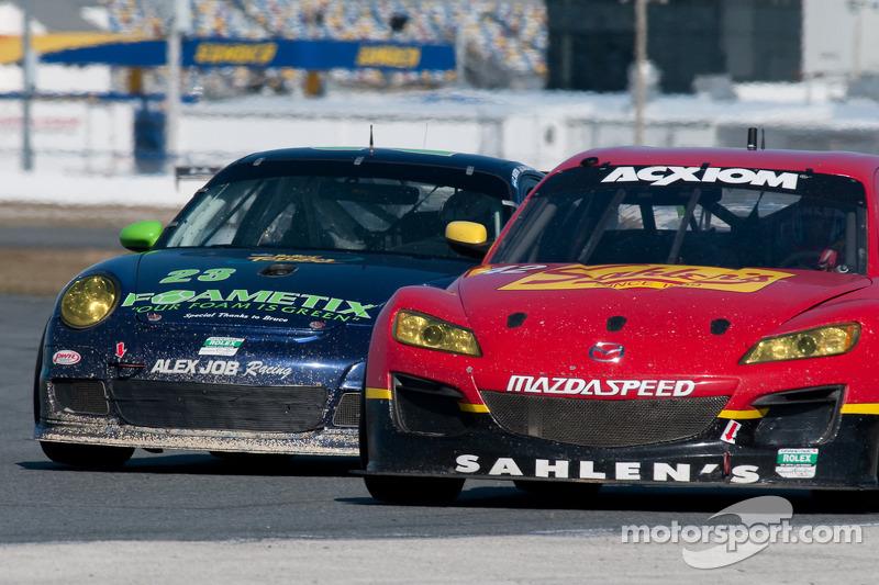 #42 Team Sahlen Mazda RX-8: Joe Nonnamaker, Wayne Nonnamaker, Will Nonnamaker, Joe Sahlen, #23 Alex