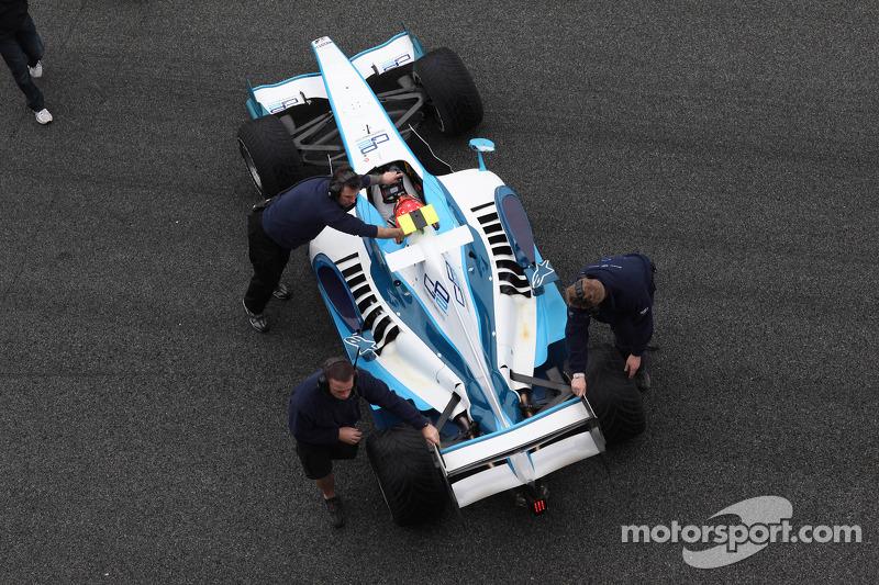 Michael Schumacher prueba un coche de la GP2