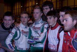 Deelnemers WK karting nemen deel aan race voor het goede doel