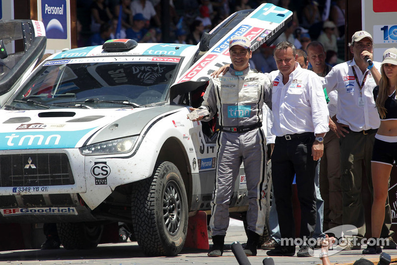 Podio de autos: Carlos Sousa y Matthieu Baumel