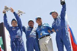 Trucks podium: 2010 Dakar Rally winnaars Vladimir Chagin, Semen Yakubov en Eduard Nikolaev