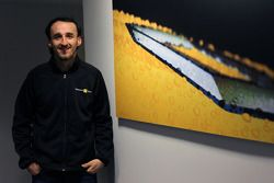 Robert Kubica visits the Renault F1 factory in Enstone