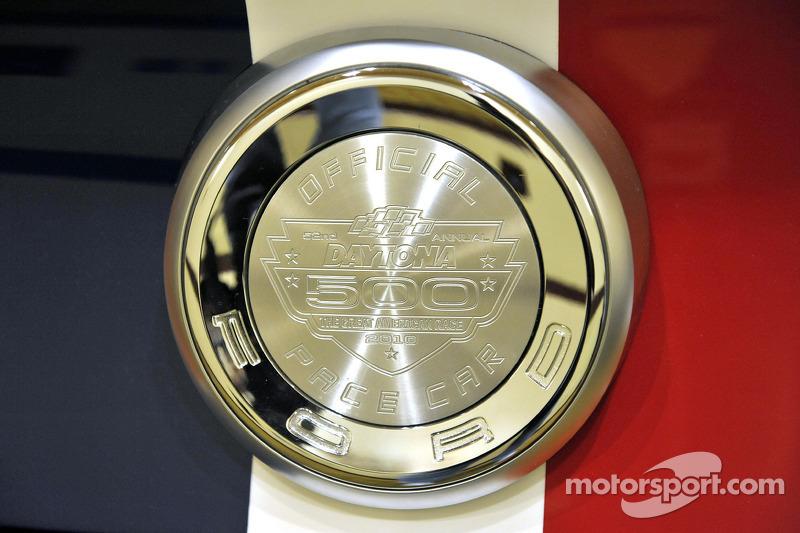 La nouvelle Ford Mustang, propulsée par le nouveau V8 5L de 412 chevaux, va lancer le Daytona 500 cette année