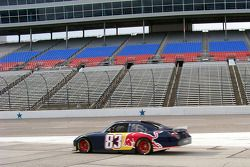 Brian Vickers (Red Bull Racing Toyota) teste le nouveau package de spoilers