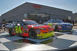 La tienda de carreras de Hendrick Motorsports mostrará los autos frente al edificio