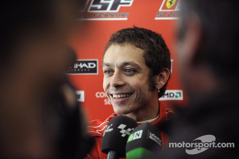 Barcelona 2010: Valentino Rossi met de Ferrari F2008