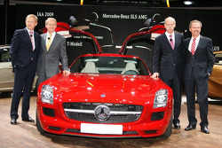 The Mercedes Board with the new SLS