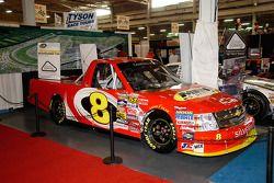 Een truck uit de NASCAR Camping World Truck Series. Deze racen in heel de VS, ook in Darlington, de