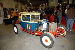 Bobby Gerhart en Charlie Bailey reden deze auto in de Langhorne in de jaren '60 als Bob Wertz's #57.