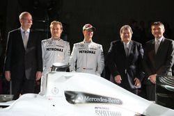 Dr. Dieter Zetsche, Nico Rosberg, Michael Schumacher, Norbert Haug und Nick Fry
