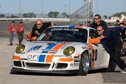 Matt Connolly Motorsports team bij groepsfoto