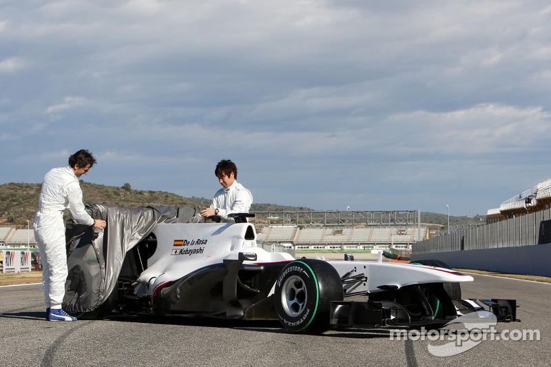 Pedro de la Rosa, BMW Sauber F1 Team et Kamui Kobayashi, BMW Sauber F1 Team révèlent la nouvelle BMW Sauber C29
