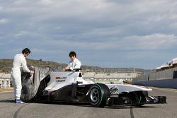 Pedro de la Rosa, Equipo BMW Sauber F1 y Kamui Kobayashi, Equipo BMW Sauber F1 presentan el nuevo BM