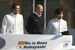 Pedro de la Rosa, Equipo BMW Sauber F1, Peter Sauber, Director de equipo, and Kamui Kobayashi, Equip