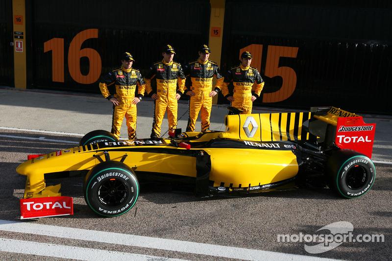 Jerome D'Ambrosio, Test Driver, Renault F1 Team, Robert Kubica, Renault F1 Team, Vitaly Petrov, Test Driver, Renault F1 Team et Ho-Pin Tung, Test Driver, Renault F1 Team