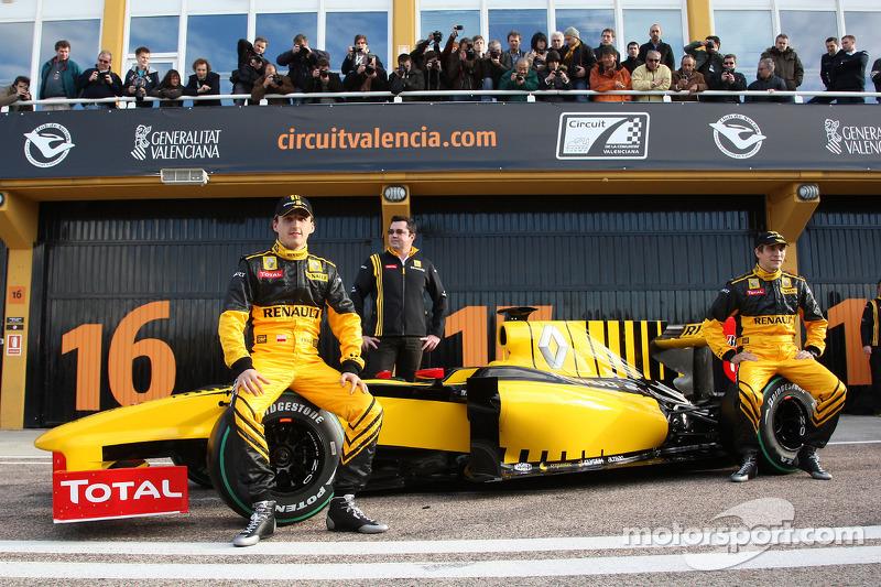 Robert Kubica, Renault F1 Team, Eric Boullier, Takım Patronu, Renault F1 Team, Vitaly Petrov, Renaul