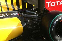 Renault R30: Aufhängung